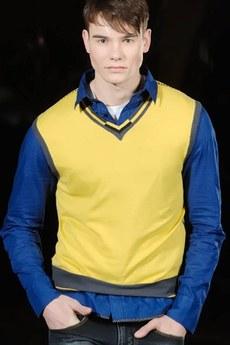 Мужской жилет (желтый) TOM FARR со скидкой